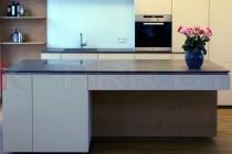Кухня с каменной столешницей №51