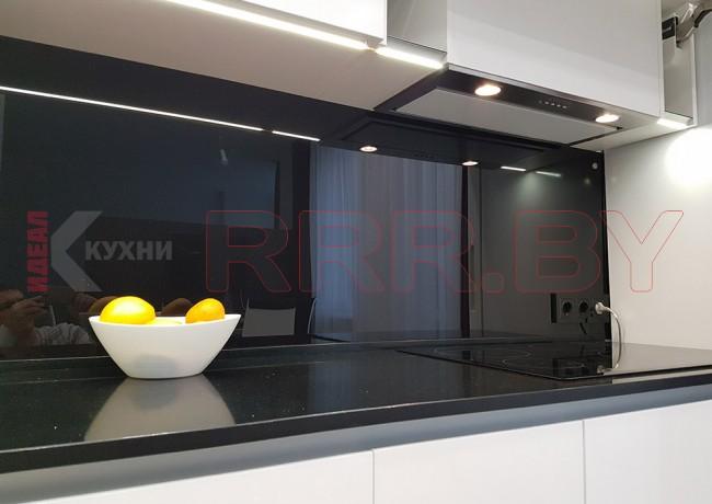 Кухня с каменной столешницей №52