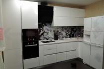 Кухня с каменной столешницей №53