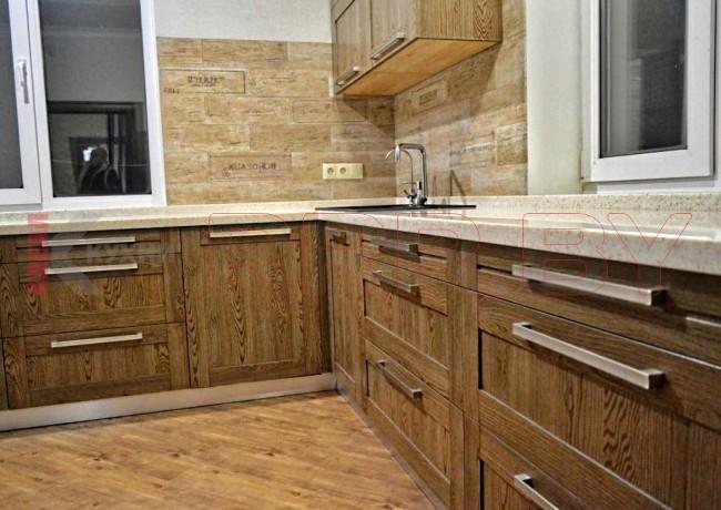 Кухня с каменной столешницей №55