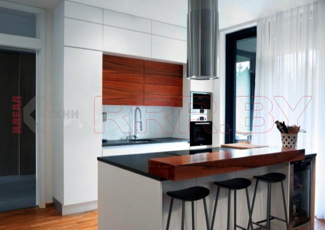 Кухня студия с островом №01