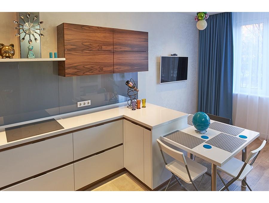 Кухня из пластика №58